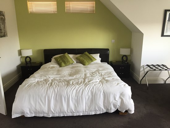 Lazy Days B & B: July 2016, The Loft Room
