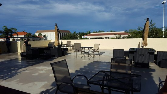Naples Park Central Hotel: Rooftop terrace
