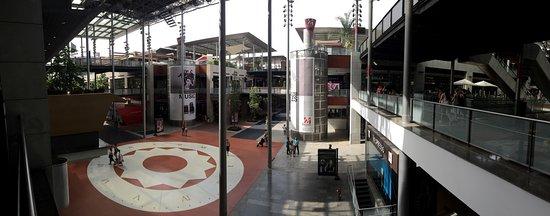 Centro Comercial La Maquinista: photo1.jpg