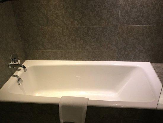 ذا ميرسير هونج كونج: 浴槽