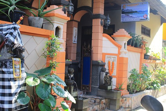 Padangbai, Indonesia: on front bulding guest house