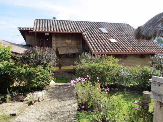 Das Casa Particular in Ibarra bietet einen Garten. Die Privatunterkunft bietet Zugang zu einem Restaurant. Die Privatunterkunft ist mit einem TV ausgestattet.