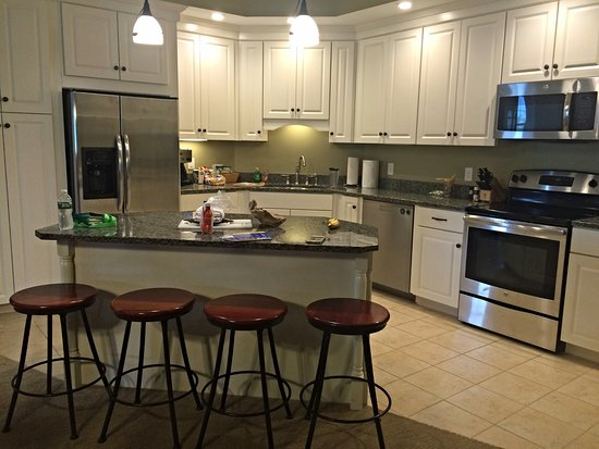 Jeffersonville, Вермонт: Amazing kitchen with tons of storage space