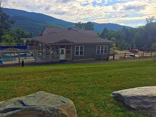 Jeffersonville, VT: Five heated pools. This had pool table, ping pong, and gym equip.