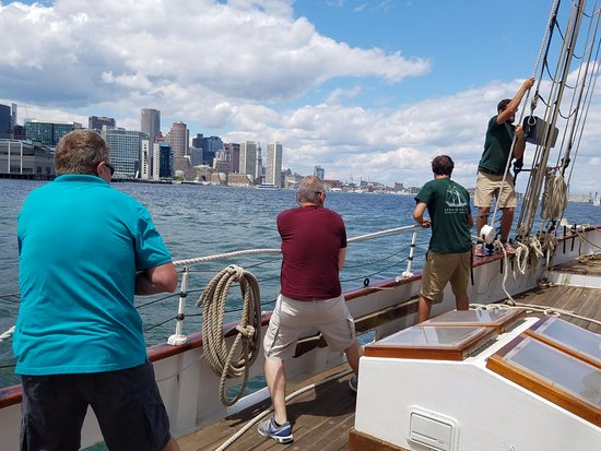 Liberty Fleet of Tall Ships : Setting the sails on the Liberty Clipper