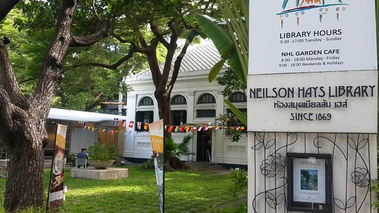 Neilson Hays Library: At the gate
