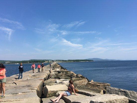 Rockport, ME: breakwater walk to lighthouse