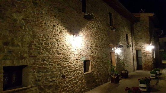 Magione, Ιταλία: 20160723_220005_large.jpg