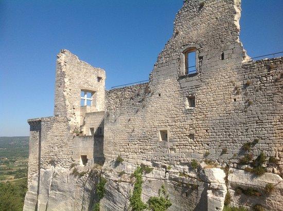 Lacoste, France : Руины.