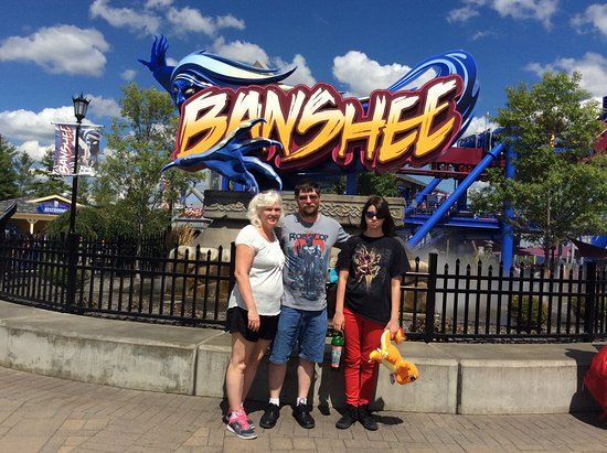 Kings Island: No one wanted to ride but hubby