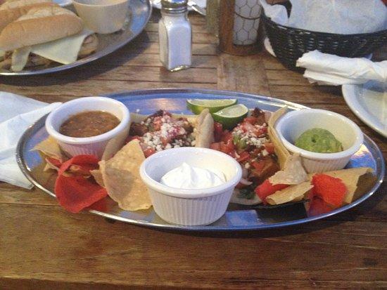 Saddle Ranch Chop House: Tacos