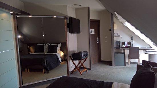 Hotel Harmony: Prima hotelkamer, mooi ingedeeld