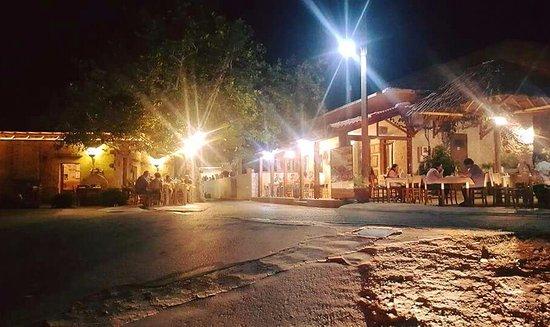 Kaliviani, Grecia: Πιο γραφικά δεν γίνεται!