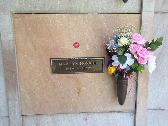 Dearly Departed Tours: Marilyn