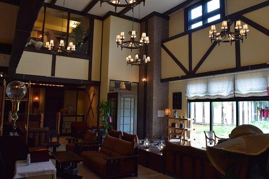 Higashikawa-cho, Japón: 落ち着いた雰囲気のロビー