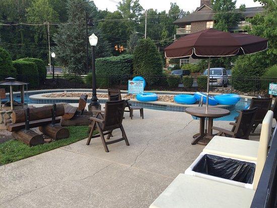 Bearskin Lodge on the River Hotel: photo0.jpg