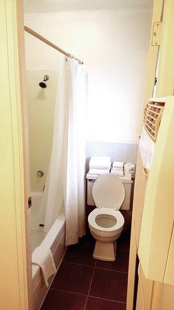 เบอร์ลิงตัน, โคโลราโด: Bathroom
