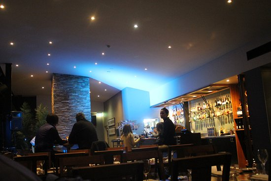 Crackenback, Australia: Inside restaurant - bar view