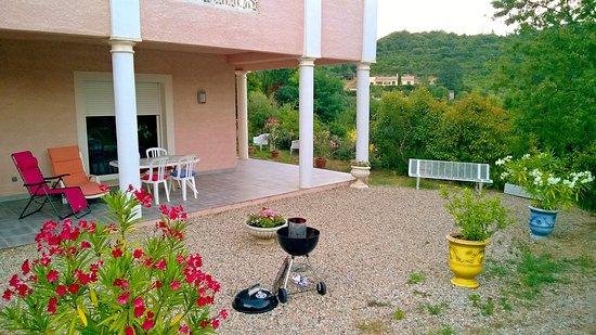 Lodeve, Prancis: Terrasse et jardin