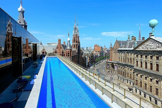 Wet rooftop pool foto van w amsterdam amsterdam for Mr porter w hotel amsterdam