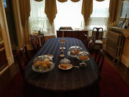 Candlelite Inn Bed & Breakfast: 4953_large.jpg
