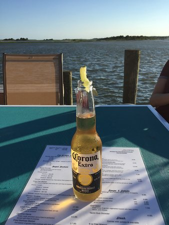 Swansboro, Северная Каролина: Outback on the deck
