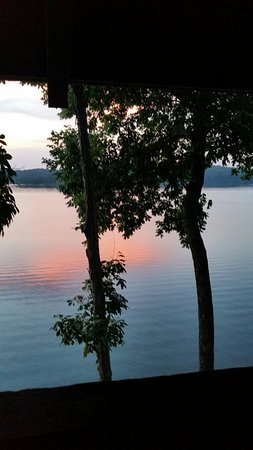 Cadiz, KY: Lake Barkley Lodge