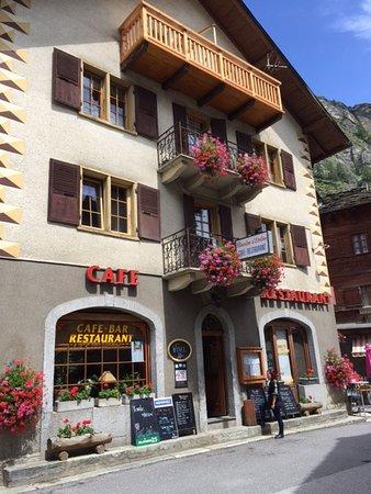 Evolene, Svizzera: Traditional exterior