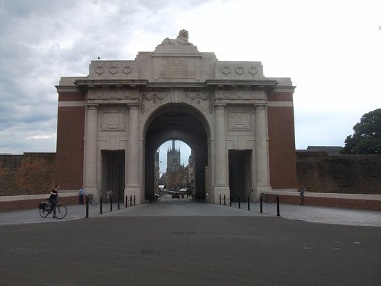The Menin Gate into Ypres.