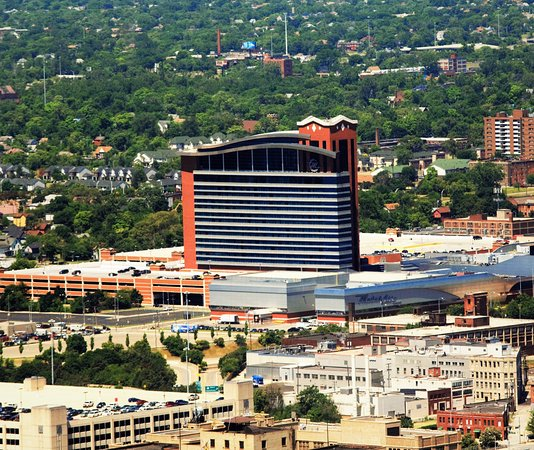 MotorCity Casino Hotel: This was taken with from the 72nd floor of the RenCen building