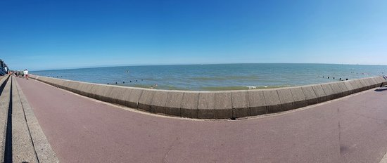 Frinton on Sea Beach: 20160723_152027_large.jpg