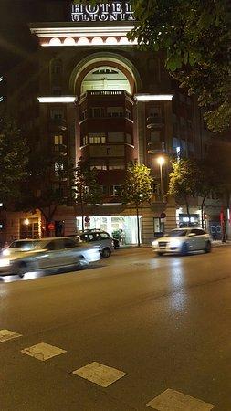 Hotel Gran Ultonia Girona: 20160723_224005_large.jpg