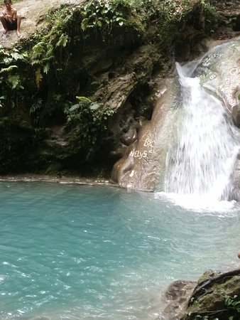 Kupang, Endonezya: Tesbatan Waterfall