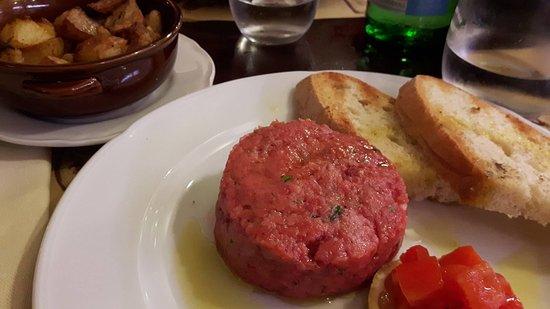 Monsummano Terme, Italia: tartare di manzo