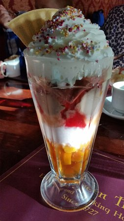 Spennymoor, UK: Knickerbocker Glory - where do you start....mmmmm