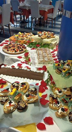 Hotel Lily: Dessert al buffet