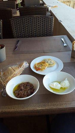 Etoile Suites Hotel: My simple Lebanese breakfast