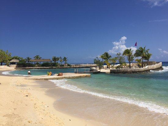 Goldeneye Resort: photo5.jpg
