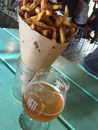 Bridgton, ME: Fries and an Pale Ale