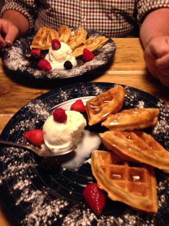 Menai Bridge, UK: Waffles