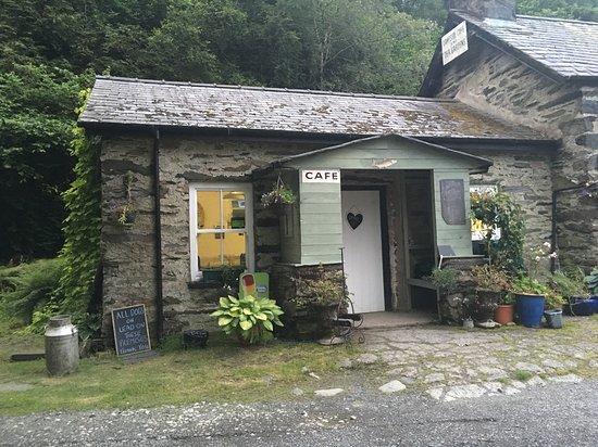 Trefriw, UK: Lakeside cafe