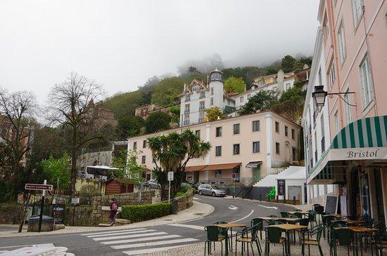 Sintra Boutique Hotel : Vue sur la façade de l'hôtel