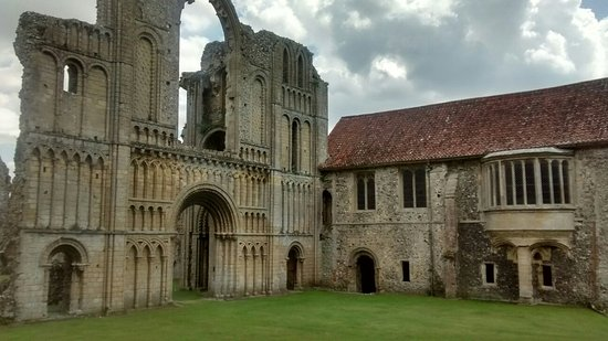 Castle Acre, UK: IMG_20160723_133613155_HDR_large.jpg