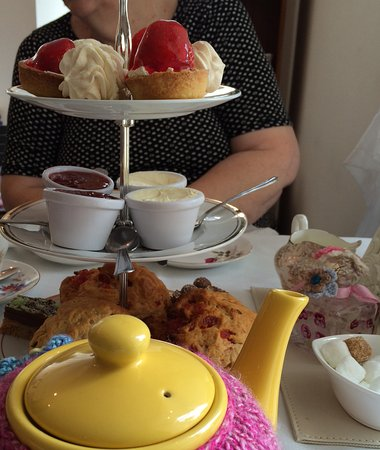 Falkland, UK: Cream tea