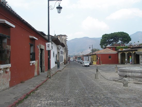 Hotel Sor Juana: The road just outside the hotel