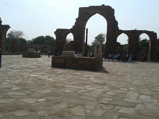 Qutab Minar: Tombs within the Qutub Complex