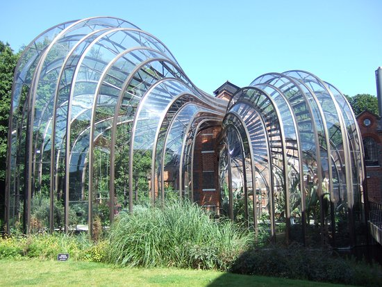 Whitchurch, UK: The incredible glass houses