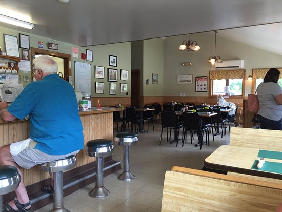 Malone, NY: Great little diner. Friendly staff and good food.