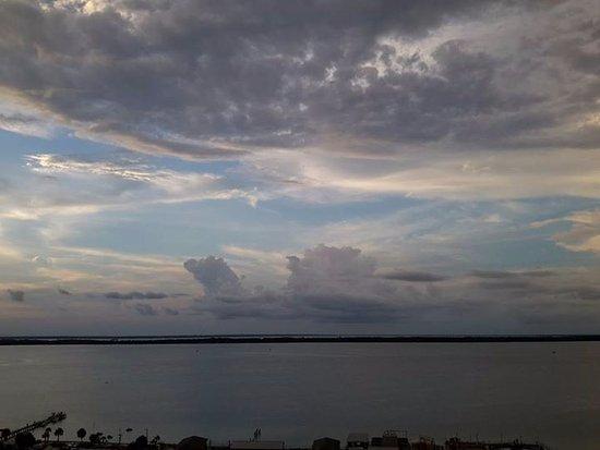 Emerald Isle: Clouds