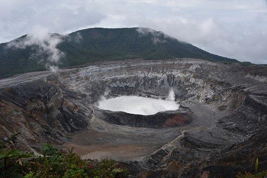 Poas Volcano National Park, Kostaryka: Poas Volcano Crater